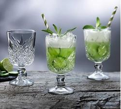 P51648 Timeless Vintage Goblet Cocktail Lifestyle opt