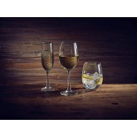 Vicrila Wine Glasses and Tumblers with drinks